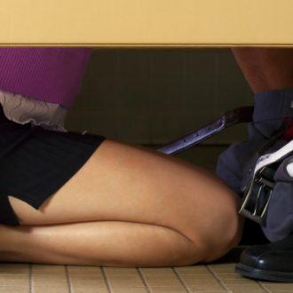 10 cosas que los hombres prefieren durante el sexo oral pero no te dicen