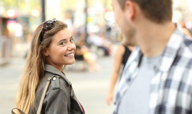 12 cosas poco románticas que enamoran