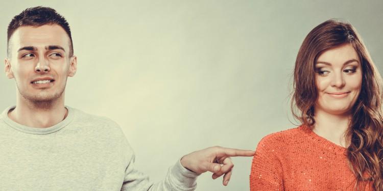 15 diferencias entre un chico tímido y uno al que no le interesas