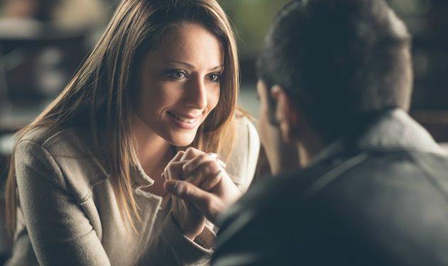 16 señales poco románticas que indican que estás con la persona indicada