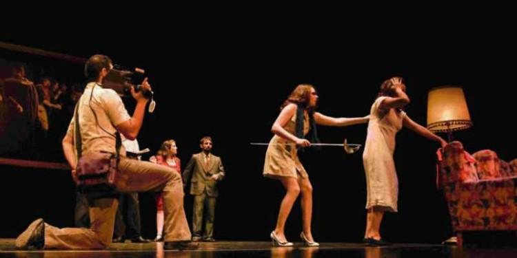 """""""Juego y Autopsia"""" en el Teatro La Mama"""