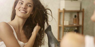6 consejos para usar el secador sin dañar tu cabello
