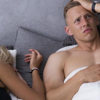 7 momentos incómodos durante el sexo que prueban que tu relación es fuerte