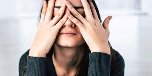 12 hábitos que hacen a las mujeres miserables en el amor