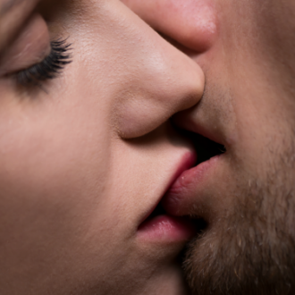 Preocúpate si tu pareja no te besa durante el sexo