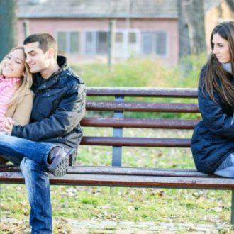 Cuando tu ex pareja rehace su vida y tú sigues enamorada de él