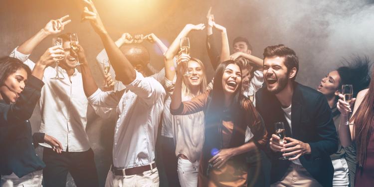Guía práctica para sobrevivir a un fin de semana de fiesta y no morir en el intento